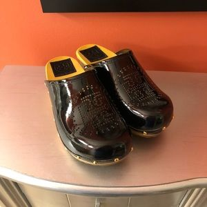 Tory Burch size 6 shoes